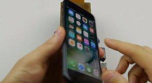 13 millió ember nem tévedhet: fúrjon lyukat a telefonjába!