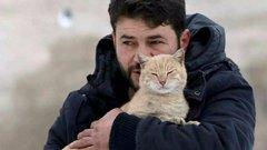 Hihetetlen okból maradt Aleppóban ez a férfi