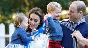 Így játszadozik önfeledten Katalin hercegné lánya - cuki fotók