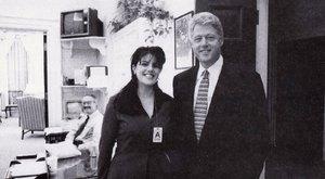 Eladó a Lewinsky és Clinton afférjából készült emlékmű