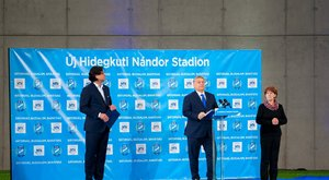 Kifütyülték Orbánt a stadionavatón