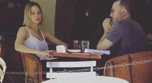 Lawrence rendezővel randizik