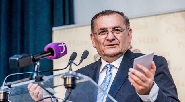 Lezsák a László Petra-ügyről: Nem kell erkölcsi igazolás