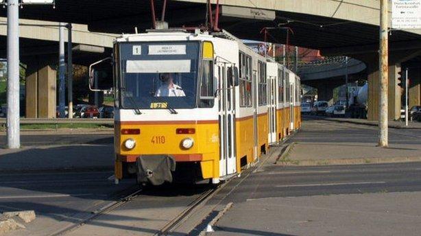 Elsodort egy nőt a villamos Budapesten