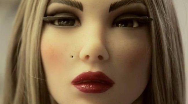 Bizarr üzlet: diákokat féláron engednek be a szexrobot-kiállításra