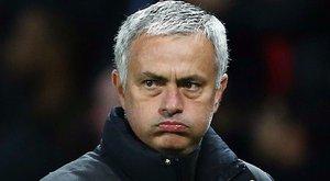 Saját szobrát dönti porba Mágus Mourinho