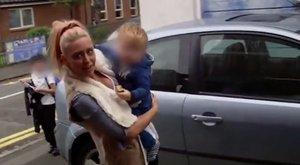 <b>Kultúra:</b> gyerekével a karjában köpött le egy vadidegent az ex-modell