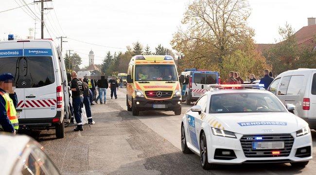 Tinilánya gyászoljaa fejbe lőtt rendőrt