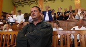 Nagy erőkkel szállt ki a rendőrség Budaházy őrizetbevételéhez