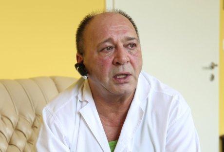 Bajor Imre volt gyógyítója: Felmentettek a kuruzslás vádja alól!