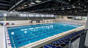 Chippendale-es múlttal vádolták, majd kirúgták az úszók masszőrjét