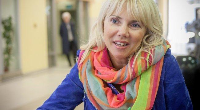 Gólyahír: állapotos a népszerű magyar írónő