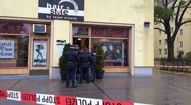 Vérfürdő Bécsben: fényes nappal ölték meg a fodrászat tulajdonosát