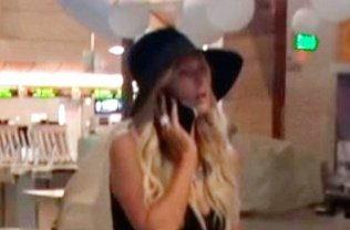 Paris Hilton útlevél nélkül is képes utazni