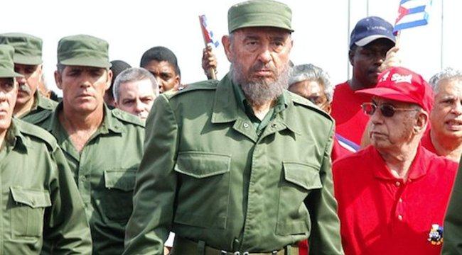 Fidel Castro bakancsban beszélt a magyar pártelnökkel
