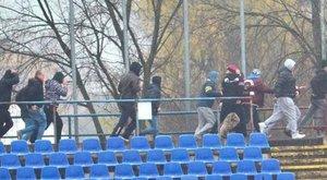 Rendőrökkel fogócskáztak a Szpari-szurkolók
