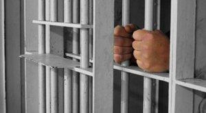 Kidöntötte a váci börtön kapuját a szél