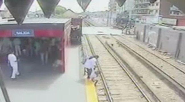 Lógott a vonaton, ebbe majdnem belehalt a lánya