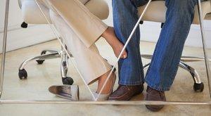 Hűtlenségbe hajszol az újmunkahelyi trend