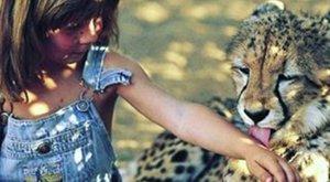 Hihetetlen: Maugli létezik, egy tízéves lány Afrikából - fotók
