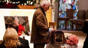 Férje egy kutyatáskában vitte Gábor Zsazsa hamvait a temetésére