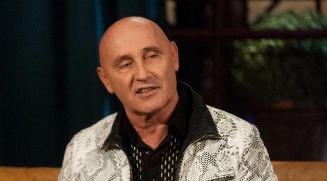 Nyomorgó zenészekért kampányol Pataky Attila