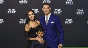 Szexi barátnőjével ünnepelte az Év játékosa-díjat Cristiano Ronaldo