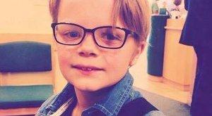Belehalt a kiváncsiságba a 10 éves kisfiú
