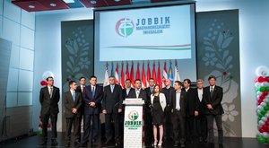 3 milliót fizet a Jobbik a facebookos posztért