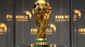 Ez nem vicc: 48 csapatos lesz a világbajnokság – Maradona üdvözletét küldi