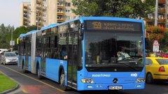 Beszakadt az aszfalt az utasokat szállító BKK-buszalatt
