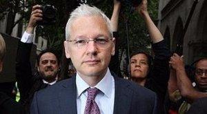 Csak kamuzott: nem adja fel magát a Wikileaks alapítója