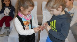 Igazi anyakönyvvezető előtt vette el Tibike a hatéves Villőt