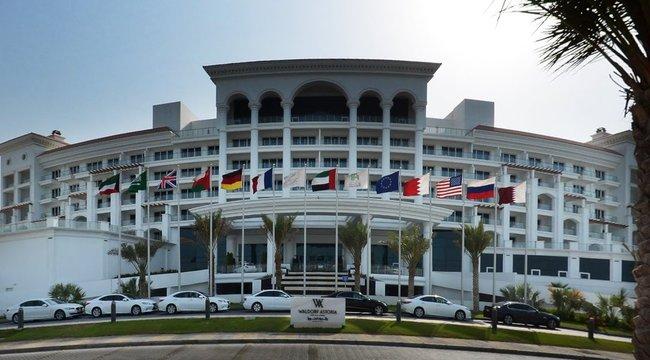 Kiakadt a dubaji hotel a dubajozó modellekre – rombolják a családbarát imidzsüket