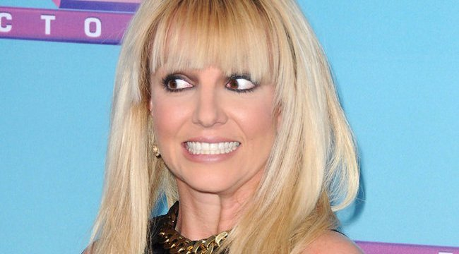 Britney Spears ebbe a fiatal fiúba szerelmes – fotó