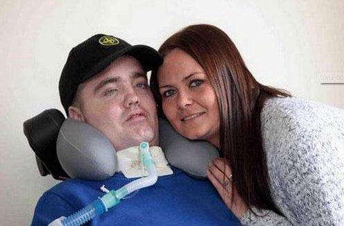 Halála előtt elvette barátnőjéta horrorbalesetben megsérült férfi