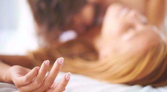 A diáklányt lesokkolta, hogy meghalt a fiúja rajta – a szülők kételkednek