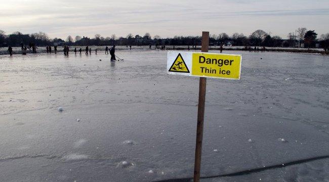 Beszakadt a jég egy kislány alatt a fővárosban