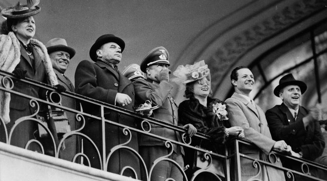 Oroszoknak súgott a nácikról Rökk Marika