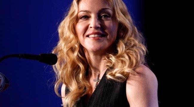 Madonna máris átalakította örökbefogadott ikerlányait – fotó