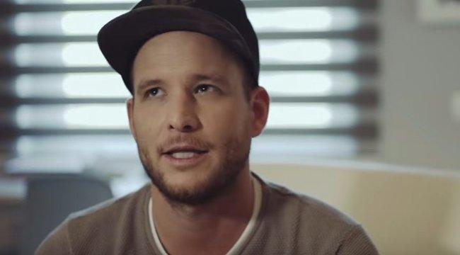 Kisfiával akar csajozni Istenes Bence - videó