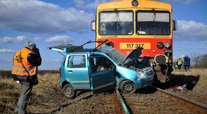 Egy ember meghalt, mikor autónak ütközött egy személyvonat Hajdúvidnél