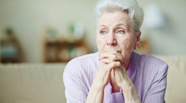 Nagymama állítja: elküldték az orvosok a sziámi ikrek anyukáját