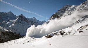 Síelőket sodort el a lavina Franciaországban