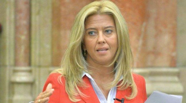 Selmeczi Gabriella jó lenne szexminiszternek