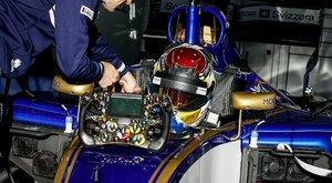 Brutális összeg: Az F1-ben csak egy kormány 10 milliót ér!