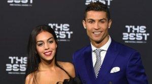 Béranya szül ikreket Cristiano Ronaldónak