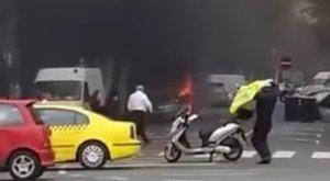 Hangos durranással gyulladt ki egy autó Budapesten