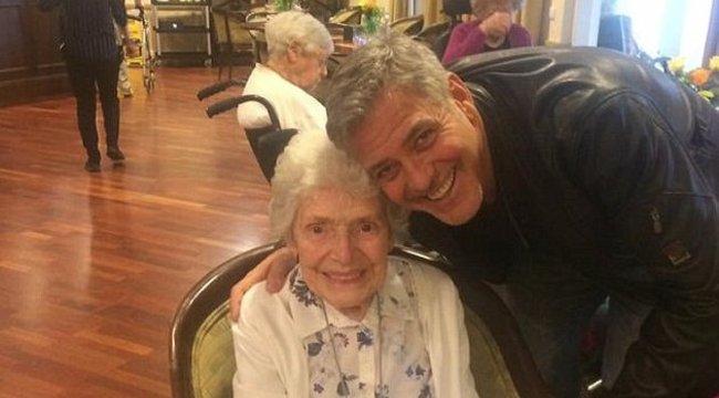 87 éves rajongóját lepte meg George Clooney