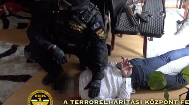 A TEK tartóztatta le a barátnőjét terrorizáló és megverő Csabát – videó